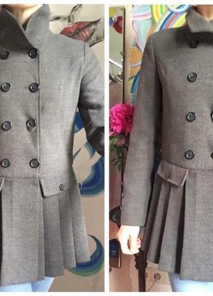 Стильное серое пальто sela