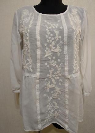 Блузка с вышивкой  indigo