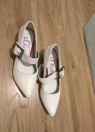 S.oliver туфли с острым носком, низкий каблук