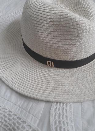 Стильная шляпа river island