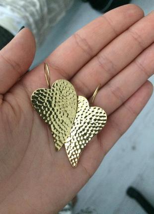 Золотистые серьги листики