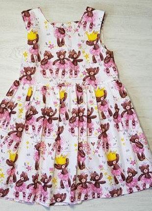 Милое детское платье с ярким принтом мишки