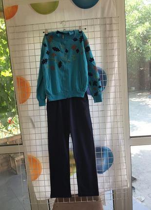 Трикотажный спортивный костюм для девочек