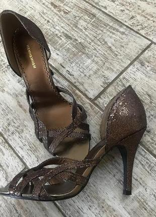Босоножки на каблуке h&m