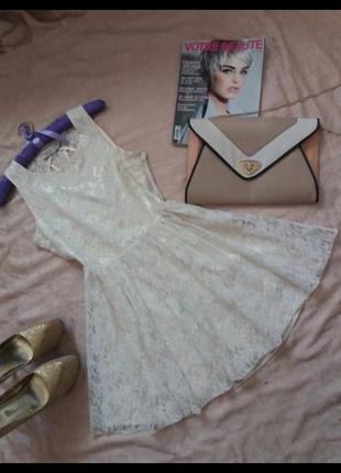 Нежное кружевное платье цвета айвори parisian collection