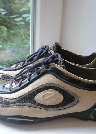 Кожаные кроссовки ecco  38 р. оригинал.