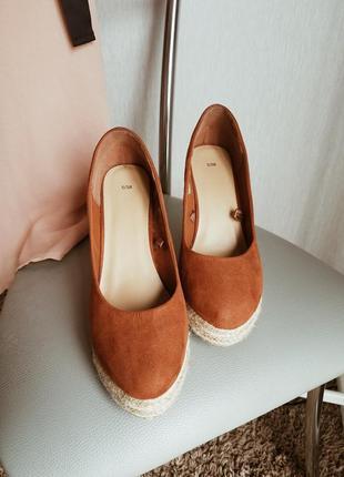 ... Дуже гарні і зручні туфлі на танкетці😍2 ... 2ac9300821e14