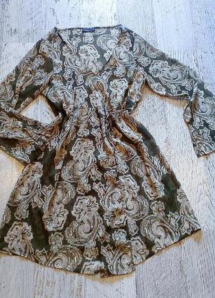 Стильная туника, блуза в стиле хиппи, шифоновая, оливкового цвета с принтом