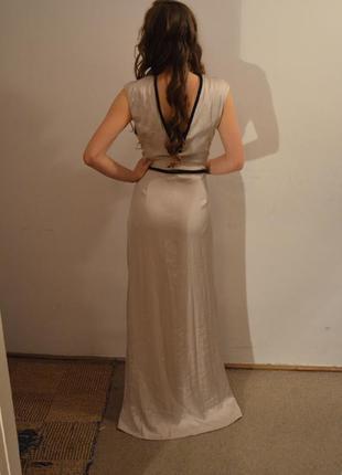 Платье из атласа с бисером