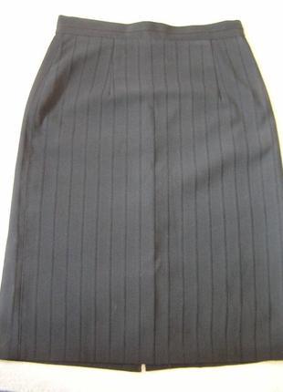 Классическая прямая черная юбка