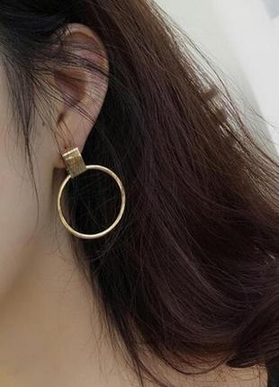 Красивые круглые серьги кольца золотые (на гвоздике)