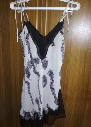 Актуальне ніжне асиметричне плаття vila