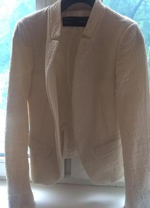 Класический белый пиджак zara