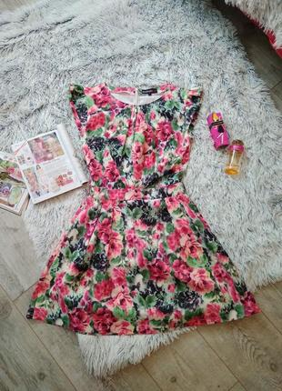 Платье в цветочный принт boohoo