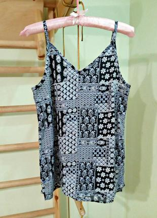 Легкая блуза,майка на тонких бретелях