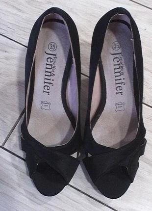 Очень хорошие туфли- босоножки