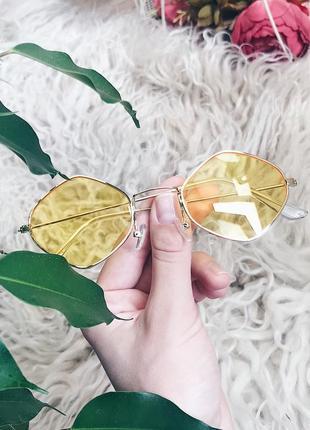 Крутые очки с желтыми стёклами