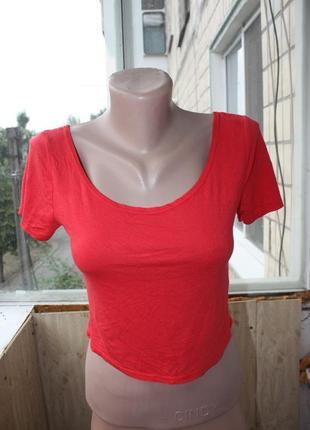 Базовый красный топ футболка