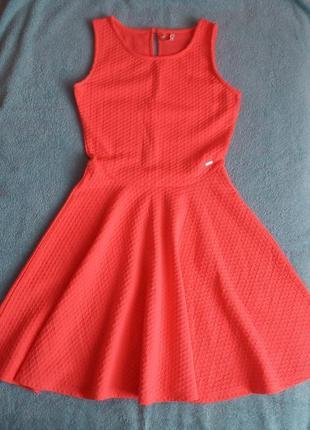 Яркое, воздушное платье на xs