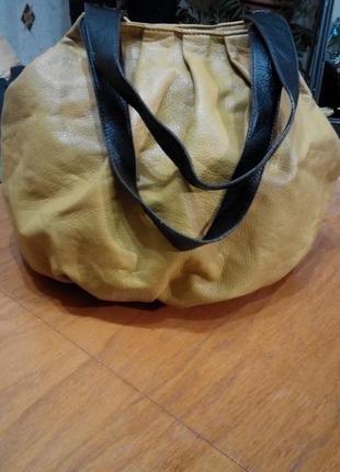 Объёмна сумка торба цвет горчица с контрастными ручками