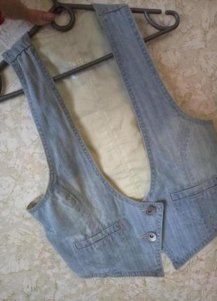 Стильная жилетка жилет джинсовая