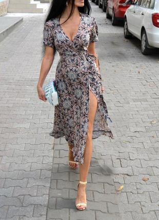 Суперстильное платье reclaimed vintage на запах в винтажном стиле  с сайта asos