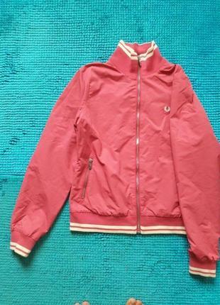 Легкая куртка fred perry