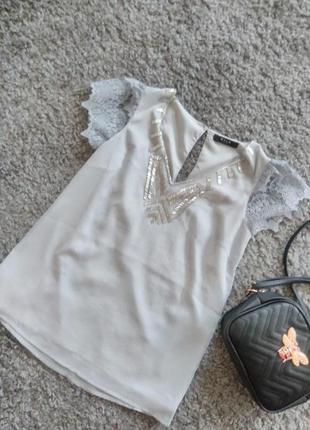 Стильна блуза з бісером