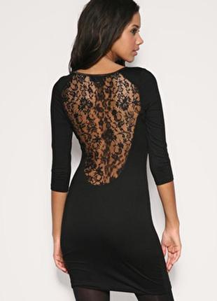 Неймовірне стильне маленьке чорне плаття