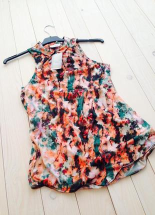 Легкая принтованная блуза без рукавов pull and bear