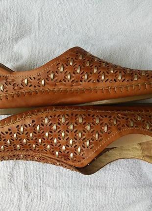 Кожаные испанские мокасины топсайдеры с перфорацией pikolinos