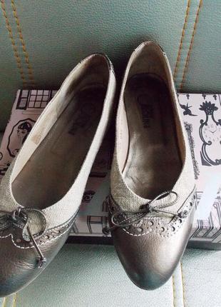 """Туфли-лодочки""""donna carolina""""в стиле кежуал - италия - кожа/ткань - 38"""
