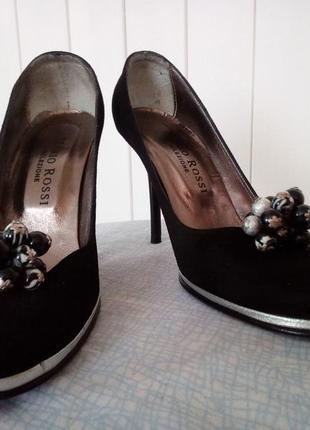 Элегантные туфли на шпильке от mario rossi