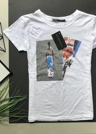 Дизайнерская белая футболка с рисунком baturevich