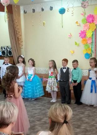 Сказочно голубое бальное платье