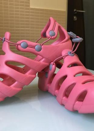 Пляжная обувь от hi-tec
