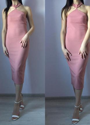 Пудровое розовое платье по фигуре миди, нарядное, вечернее