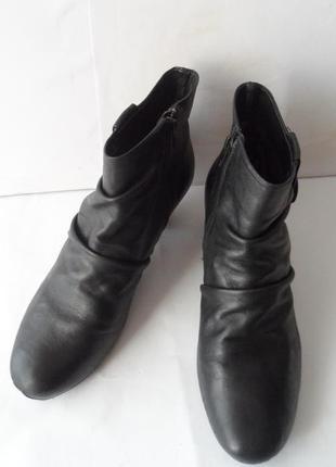 Кожаные ботинки от clarks. размер 39.5