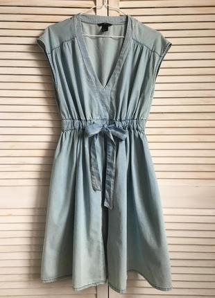 Романтичное джинсовое платье