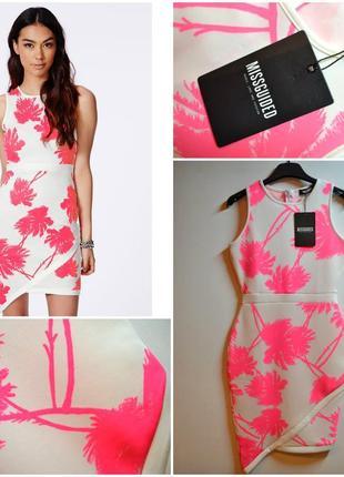 Новое яркое платье с асимметрией по низу
