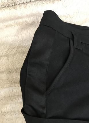 Обалденные строгие шорты