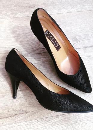 Классические черные лодочки от культового бренда casadei
