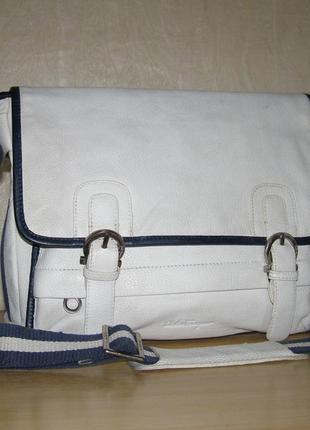 489c138bd594 Вместительная сумка через плече от salvatore ferragamo, нат.кожа, а4 формат