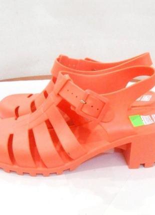 Распродажа! яркие и стильные силиконовые босоножки сандалии желейки, р.39-40