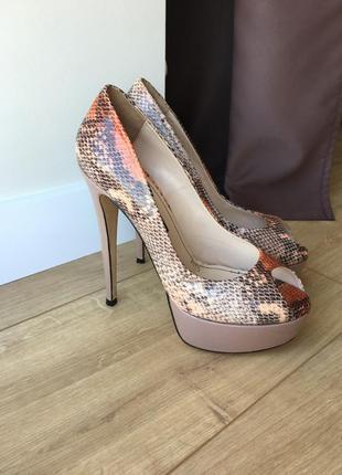 Классные туфли с открытым носиком