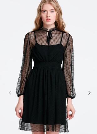 Кружевное черное платье musthave