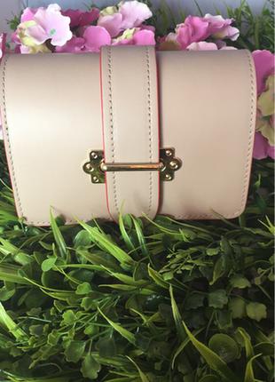 Женская кожаная сумочка на пояс. италия.
