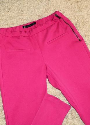 Розовые плотные леггинсы zara с замочками р.m-l