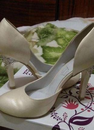 Изящные свадебные, вечерние или просто нарядные туфли!