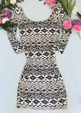 Платье по фигуре в орнамент new look